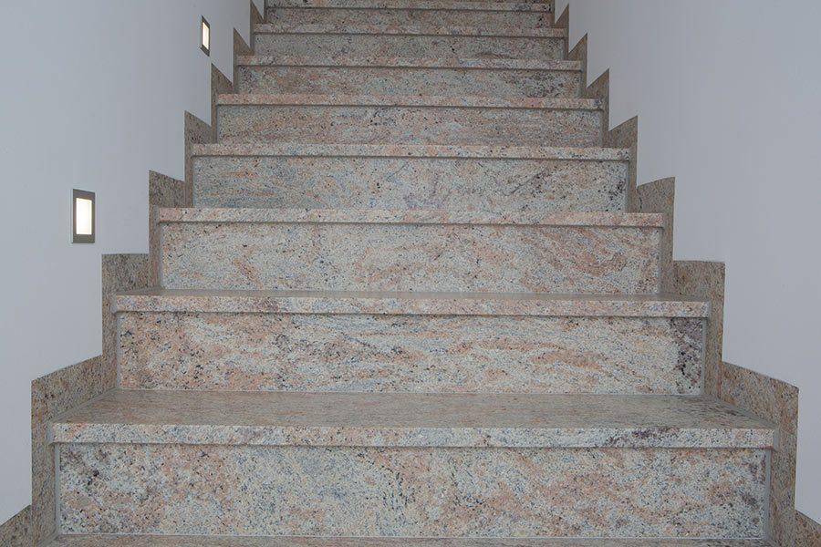 ivory-cream-marmor-treppe1
