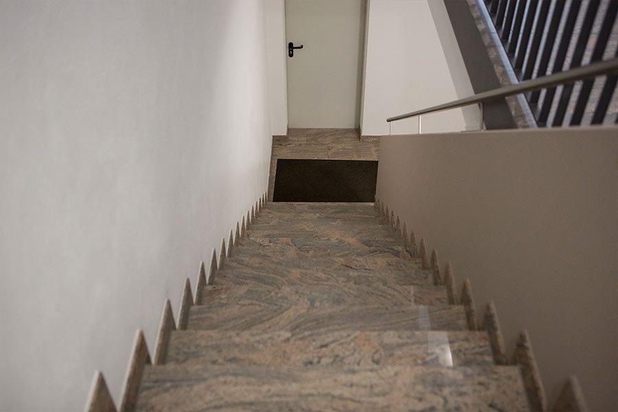 ivory-cream-marmor-treppe3